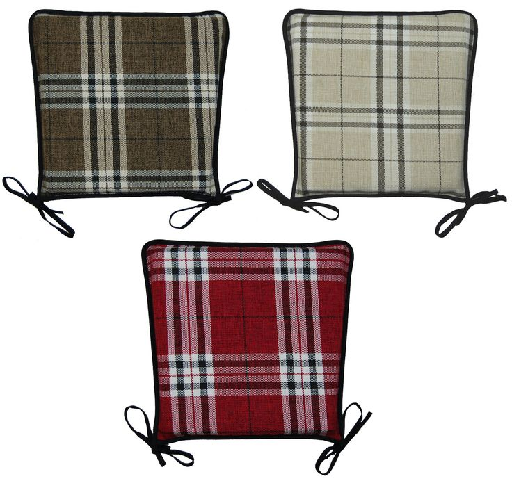 These traditional seat pads have an on-trend tartan check pattern throughout and will provide that extra layer of comfort to your kitchen, dining room or garden chairs.