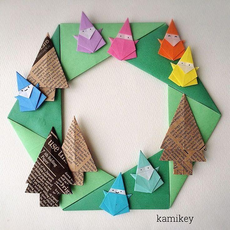 """七夕にまったく関係なくてすいませんサンタの色を変えて7人のこびとのつもり Seven Dwarfs「六角リース」「サンタクロース」の作り方はYouTube"""" kamikey origami""""チャンネルをご覧下さい。※木は試作品です  Hexagonal wreath  Santa clause  designed by me Tutorial on YouTube"""" kamikey origami"""" #折り紙#origami #ハンドメイド#kamikey"""