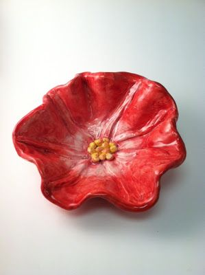 The Crayon Lab: Georgia O'Keeffe Flower Bowls.  I've seen this project many times, but this is the best tutorial!