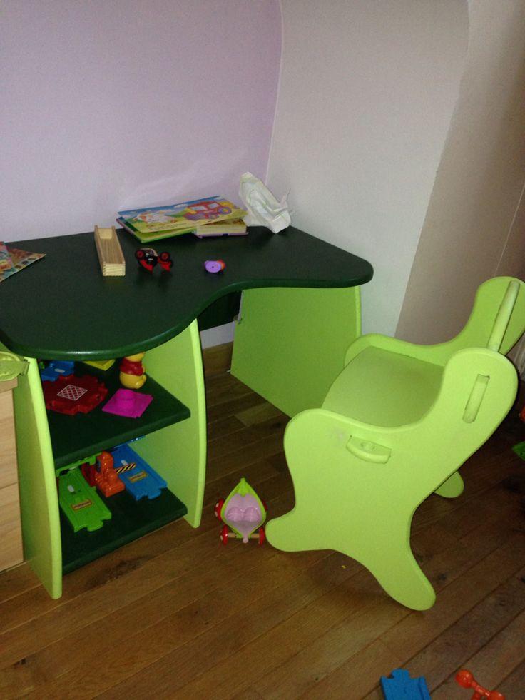 Bureau enfant bois fait maison Petite chaise et étagère de - peinture bio pas cher