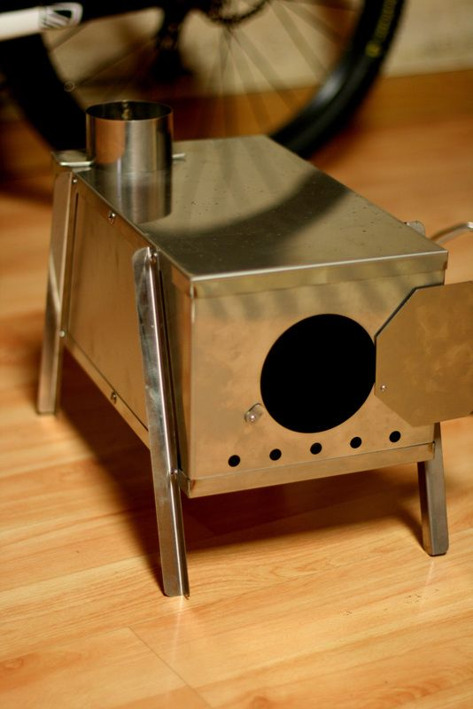 This is my first wood stove. The weight is over 3kg. So heavy! 0.8mm stainless steel sheet... Too tight input door... This is t...