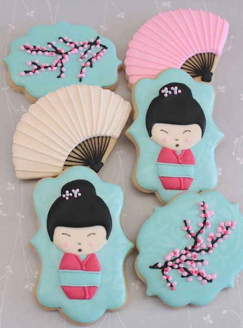Kokeshi doll cookies by Miss Biscuit