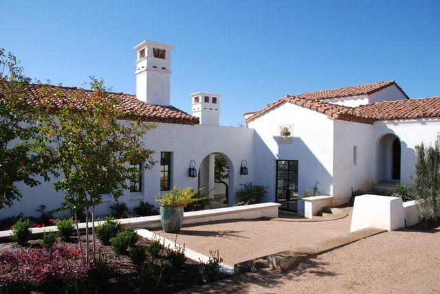 Best 25 white stucco house ideas on pinterest for Mission stucco