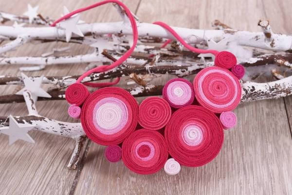 colier rosu roz