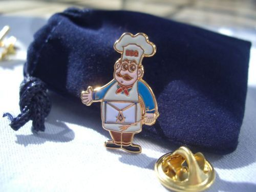 Masonic Freemason Lodge Bro B B Que BBQ Chef Cook Out Picnic Lapel Pin and Gift Pouch
