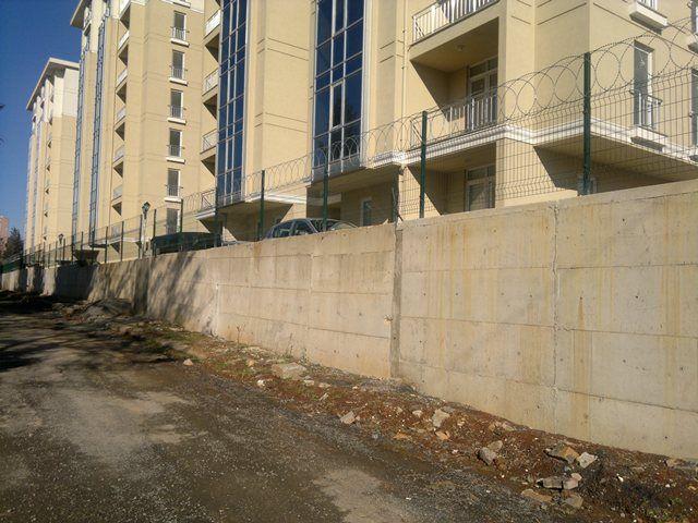 Panel Çit Sistemleri | POMETAL tel örgü ve tel çit imalatı;Halı saha teli panel çit fiyatları
