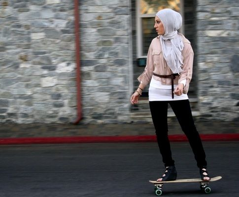 The art of skateboarding in Lebanon #women #MiddleEast