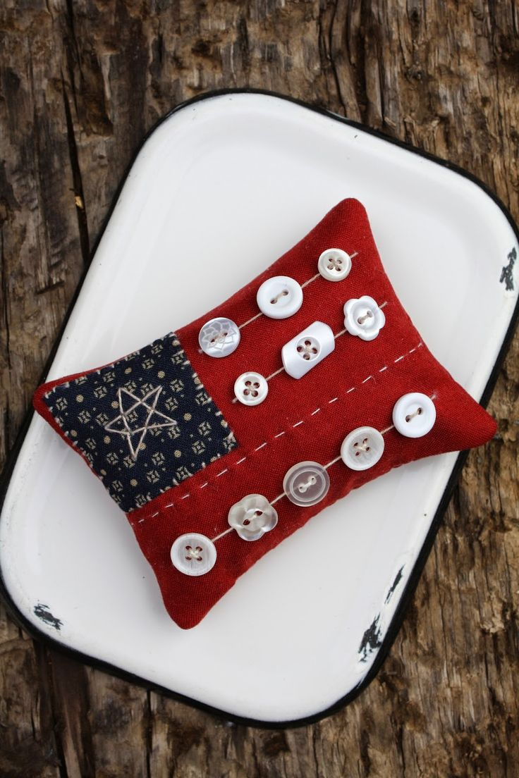 Happy Independence Day from Temecula Quilt Co Enjoy this little tutorial for a Patriotic Pincushion