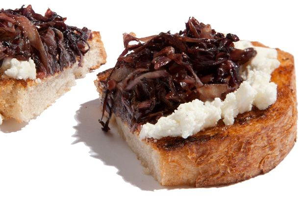 Sautéed Radicchio and Goat Cheese Bruschetta // looks easy and tasty ...