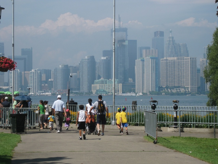 View of the city of Toronto from Centre Island