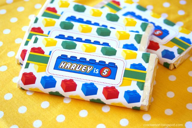 I'm all about the custom wrappers for candy bars, I try to do them for each of my events, they just give that extra oomph to a party! This Lego wrapper is adorable!