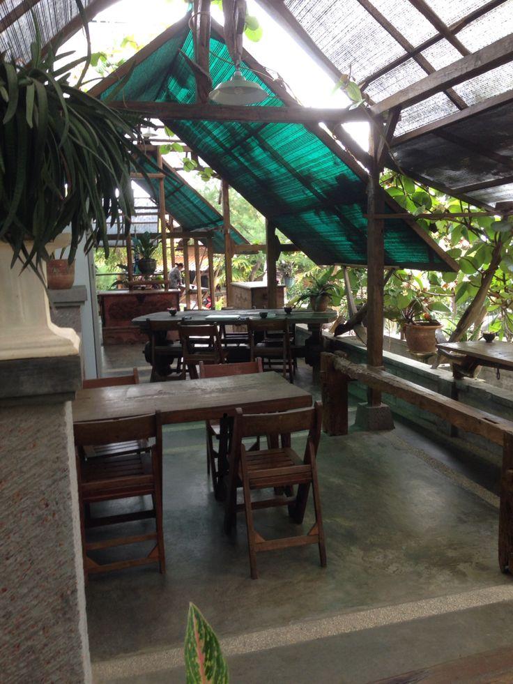 Green House Cafe using reclaimed teakwood