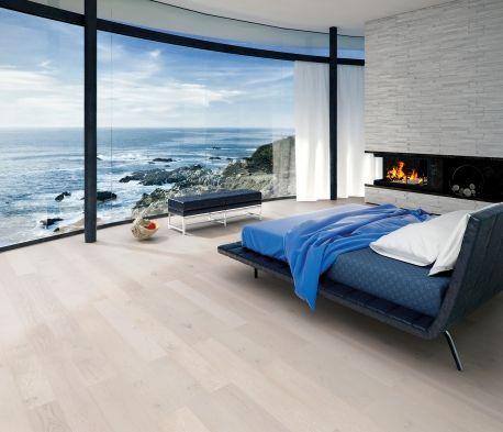 Wooden floor Soud Baltic Wood  (great view, fireplace in bedroom, white floor)
