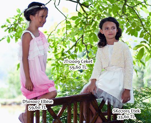 Şifon Batik Elbise ( DS01007 ) Batik desenli, volan detaylı şifon elbise Mini Dantel Ceket ( JT12009 ) Tafta ve güpür kombini kısa ceket Tüllü Kabarık Etek ( SK07015 ) Dokulu kumaştan tüllü, kabarık etek