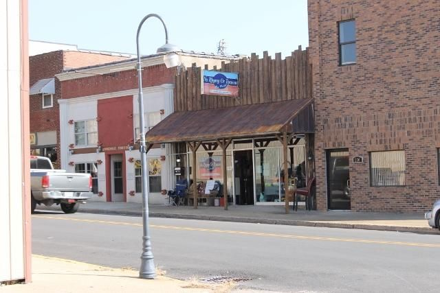 Great established business just off Historic downtown square!! Come visit ''No Rhyme or Reason'' & take the opportunity of ownership! Two buildings, one being used as rental booths (with a waiting list)& one used for used furniture sales. Come see today! in Mountain Grove MO