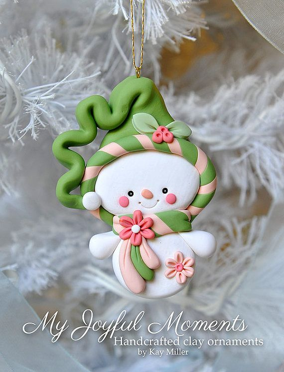 Handcrafted Polymer Clay Snowman Ornament por MyJoyfulMoments
