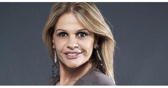 A ex-modelo e apresentadora Monique Evans está pensando em estudar política e talvez ingressar nessa carreira em 2012.