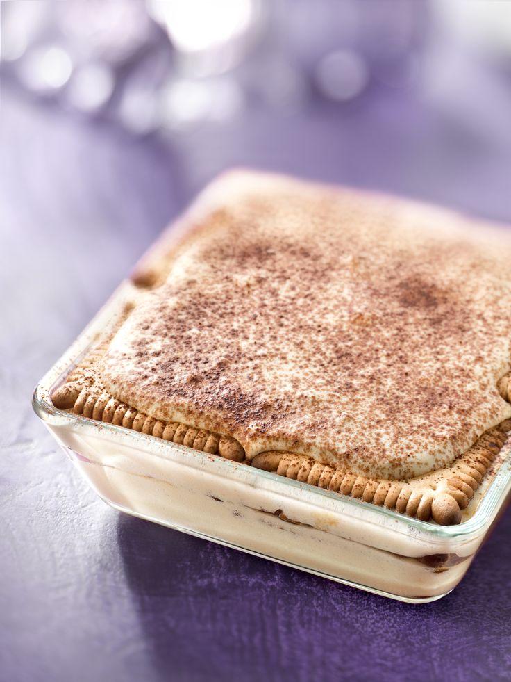 Recette de Tiramisu au Véritable Petit Beurre® de LU. Il vous faut : chocolat en poudre, gros oeufs, mascarpone, Véritable Petit Beurre® de LU, Sucre roux, sucre vanillé, café noir