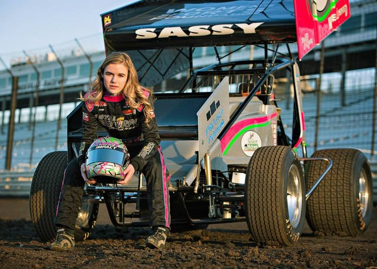 McKenna Haase first female sprint car winner at Knoxville Raceway http://www.racingnewsnetwork.com/2015/05/17/mckenna-haase-female-sprint-car-driver/ #mckennahaase