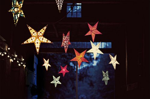 Wish upon a star.Colors Combos, Paper Stars, Stars Lights, Starry Night, Stars Lanterns, Twinkle Twinkle, Summer Night, Front Porches, Parties Lights