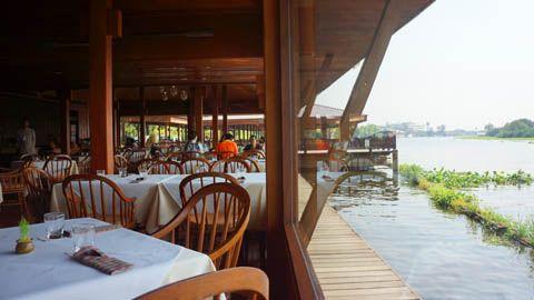 Thainess Lunch at Inn-Chan Restaurant, Nakhon Pathom - Thailand   TravelJunkieIndonesia.com