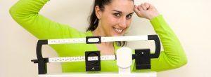 Muchas personas afirman que la pérdida de peso es de corta duración y el verdadero reto es mantener el peso a largo plazo. En este artículo, se revisa la p