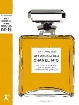 """Februari '12: fascinerend boek over het leven van Chanel en de ontwikkeling van Chanel No. 5. Wel met veel gevoel voor drama geschreven. """"Maar op dat moment, in de ellende van het meisjesweeshuis in het nonnenklooster, kon Coco nog niet vermoeden dat zij ooit het beroemdste parfum ter wereld zou creëren"""", etc., etc..."""