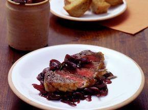 Entrecôte mit Rotwein-Schalotten ist ein Rezept mit frischen Zutaten aus der Kategorie Fleisch. Probieren Sie dieses und weitere Rezepte von EAT SMARTER!