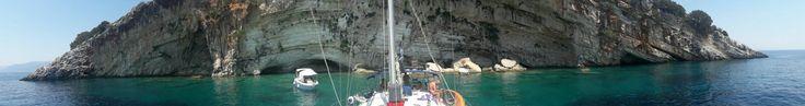 Viaje en velero por las Islas Griegas. Esta vez, un plaza a plaza para aquellas personas a las que gusta viajar pero no consiguen llenar un velero. Para mas informacion visitad www.itacanautic.com