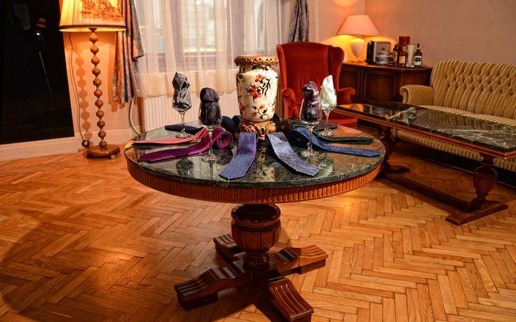 Center table display @ Artizan showroom #morethanasuit @artizanimage
