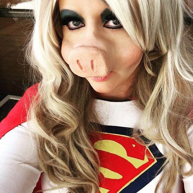 DIY Sesame Street Miss Piggy Halloween Costume Idea 8