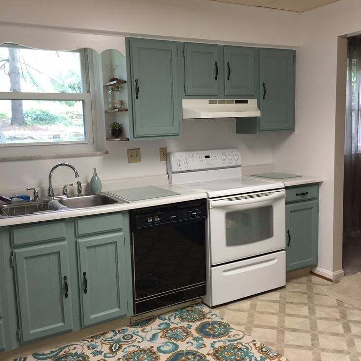 Kitchen Makeover on a budget using Annie Sloan Chalk paint ...