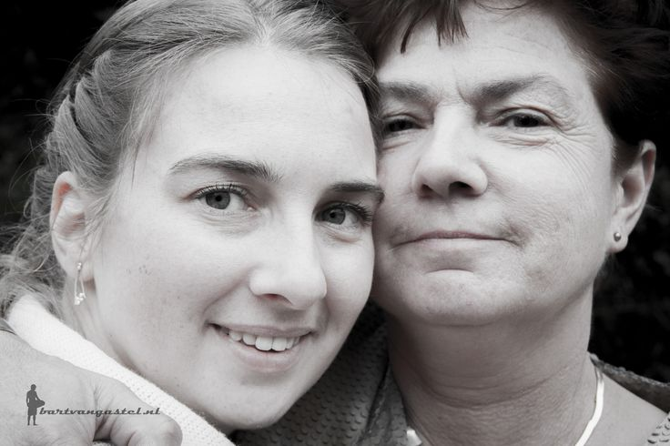 Moeder en dochter https://flic.kr/p/G6yUm5   Bruiloft Vincent & Linda   26 februari 2016