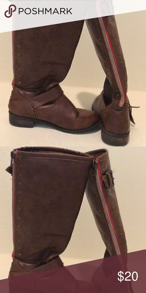 Brown knee high boots Brown leather boots in great condition with red zipper back. Shoes Boots