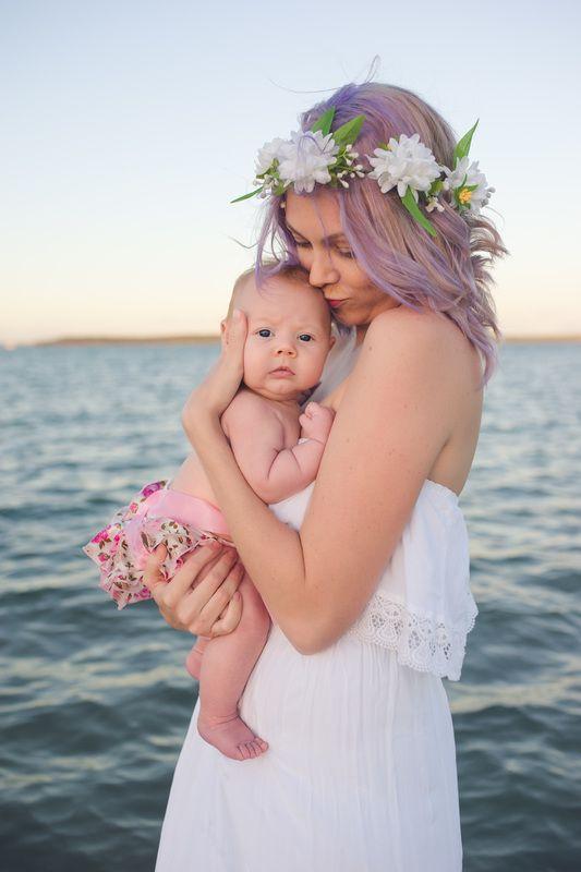 Elizabeth Pohlmann Photography - sunset photography, beach photography, babies, Hervey Bay, water,