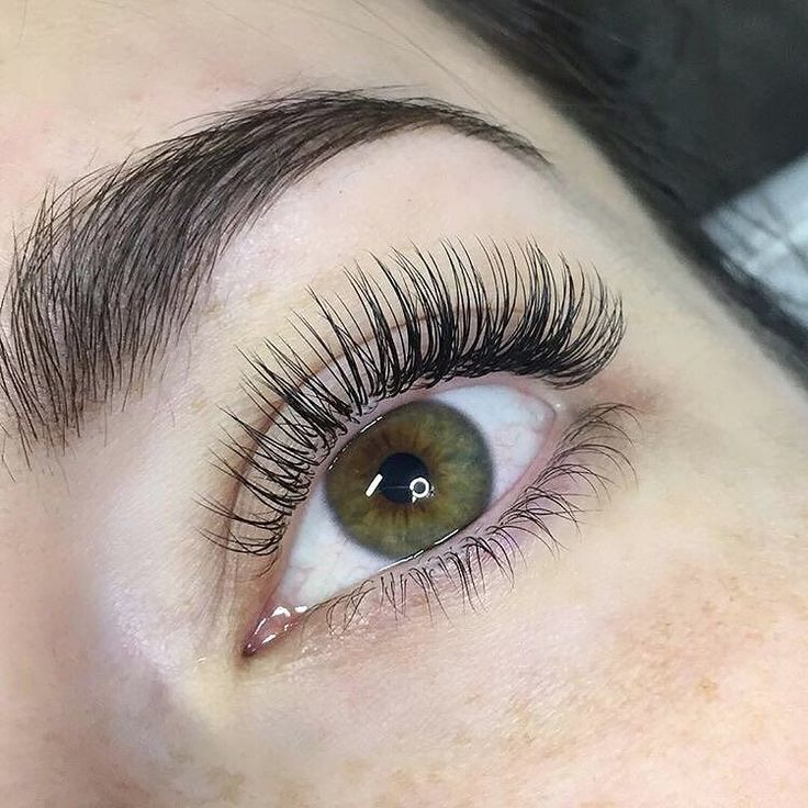 Major #lashgoals going on right now. These classic lashes are too perfect! @redlashstudio we you.