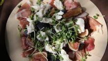 Billede af friske figner med skinke & mozzarella