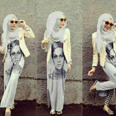 Baju Muslim Trendy Setelan baju muslim dengan bahan kaos terdiri dari dress, cardigan dan pashima. Pas buat kuliah karena bahan tidak panas, nyaman dan trendi...