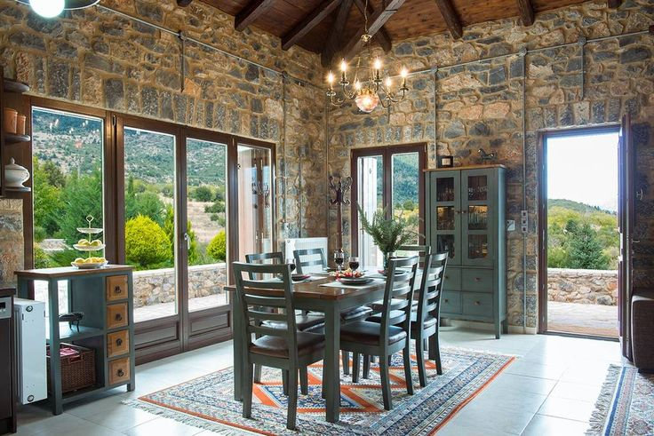 Dinning area, in dialogue with the beautiful surrounding landscape