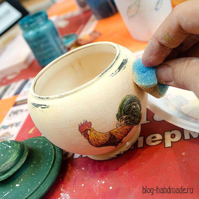 Мастер класс по декупажу, как легко сделать растушевку акриловыми красками и красиво состарить изделие