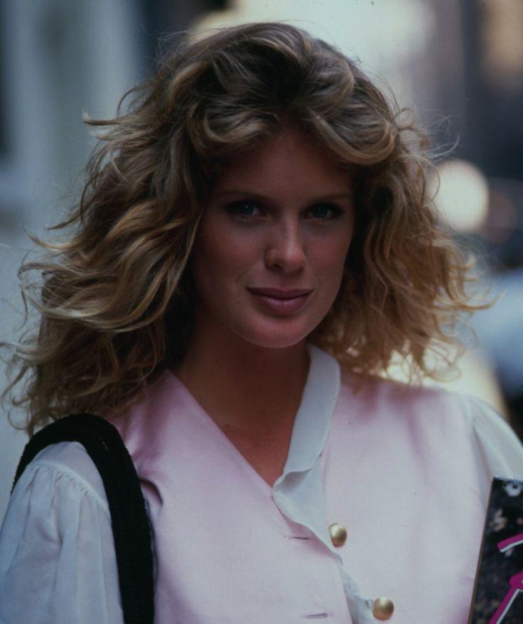Rachel Hunter, 1990