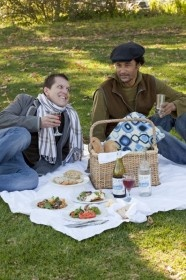 There is no furniture at the picnic sites, but blankets re provided.  If you prefer to have your picnic with a table and chair, you may do so with pleasure, at one of our tables on the lawn in front of Fyndraai restaurant.