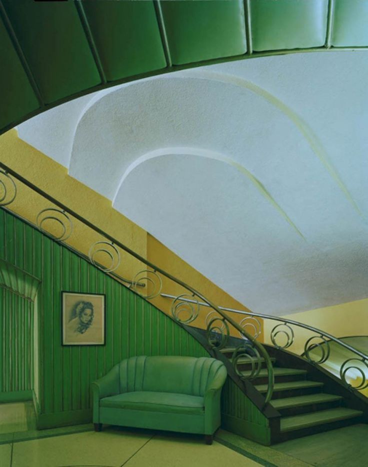 Hollywood Theater | #green #artdeco #stairs