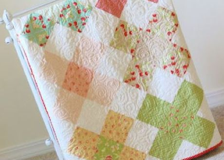 Granny Square Quilt - Pattern on Craftsy: 6 free charm pack quilt tutorials