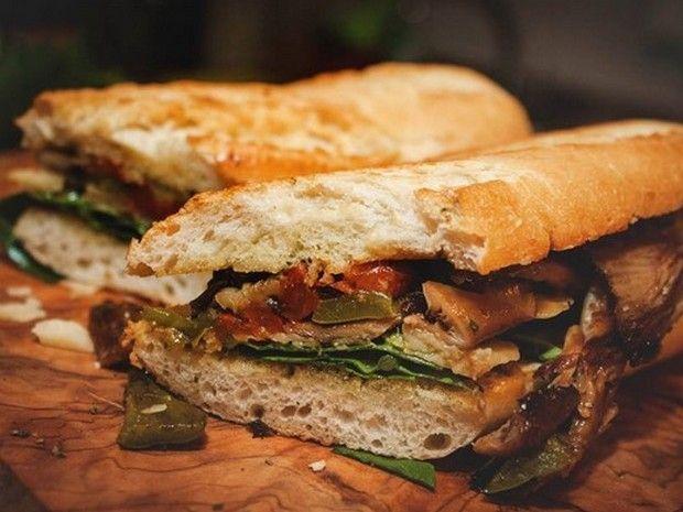 Στην καρδιά της Αθήνας υπάρχει μια όαση που προσφέρει ποιοτικά, μαγευτικά, ταξιδιάρικα σάντουιτς -και όχι μόνο.