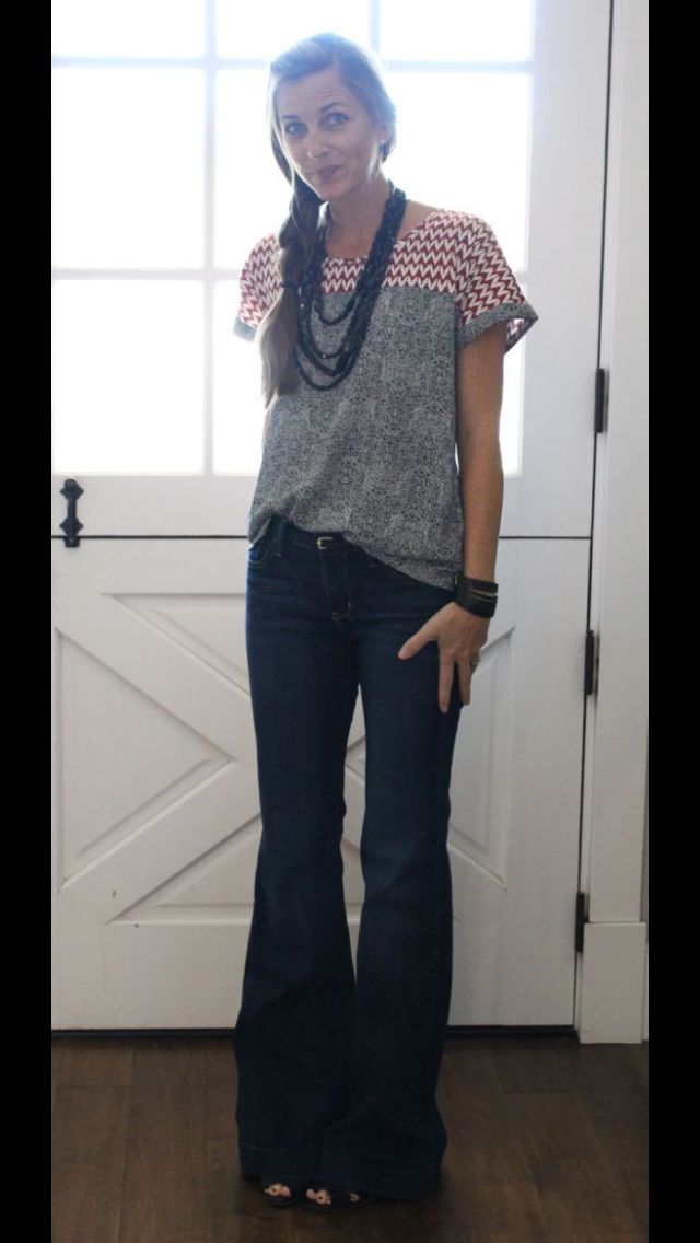 Grey top with red & white chevron detail. Chunky necklace and flare jeans. Stitch FIx 2016 Fashion