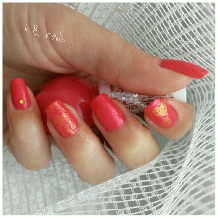 #nails #nailstagram #nailsofinstagram #instanails  #lovenails #firstofmay  #misssporty #clubbingcolours n.462  #nailstamping #stampingnailart #goldstamping #goldhearts