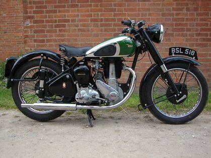 Hola, les traigo algo de historia sobre estas legendarias motos que marcaron un antes y un despues en el mercado mundial de la motocicleta. disfruten :D. B.S.A (Birmingham Small Arms). Http://vintagetz.com/httpwwwcoyoter/bsa_logo_14.jpg. Bicicletas. En...
