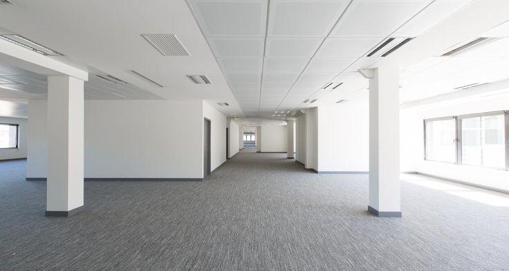 Espace open space avant l'installation des bureaux de RREEF à Suresnes, France