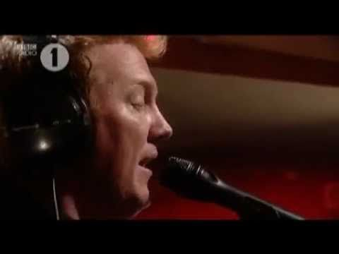 Las deslumbrantes BBC Sessions de Them Crooked Vultures (2010)   Binaural   Bloglovin'